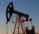 Американская нефть рекордно упала в цене