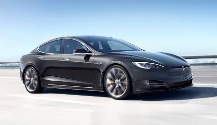 Илон Маск отметил низкое качество электромобилей Tesla
