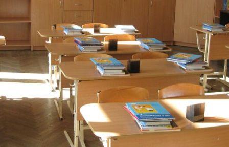 Минобразование рекомендуют школам продлить каникулы из-за ковида