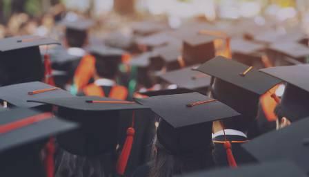 После школы каждый пятый украинский выпускник хочет учиться за рубежом