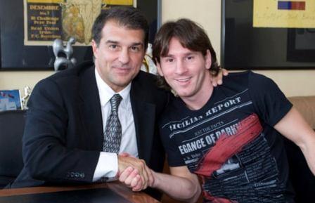Новый президент «Барселоны» попросил Месси остаться