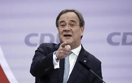 Партия Меркель выбрала кандидата на пост нового канцлера