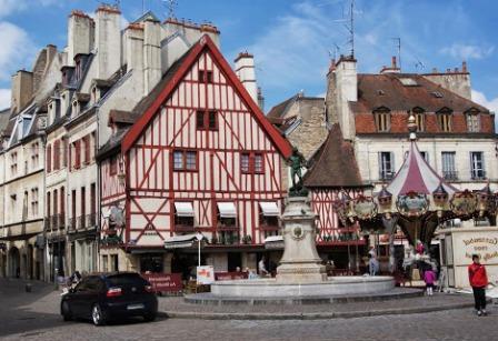 Во Франции запускают бесплатный общественный транспорт