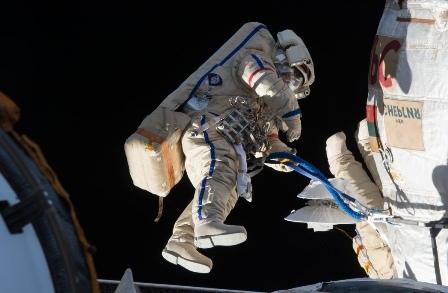 Астронавты на МКС вышли в открытый космос