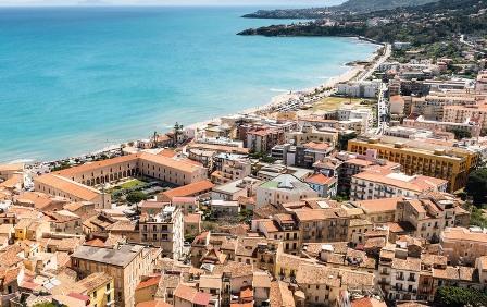 В Италии продают дома по 1 евро: где и что можно купить