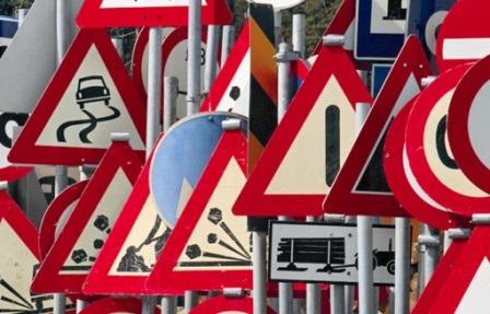 В Украине с 1 ноября на дорогах появятся знаки нового образца