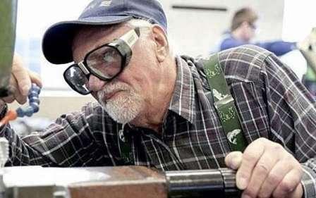 После выхода на пенсию 25% украинских пенсионеров вынуждены работать