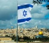 Израиль ослабил карантин: открываются парикмахерские и рестораны